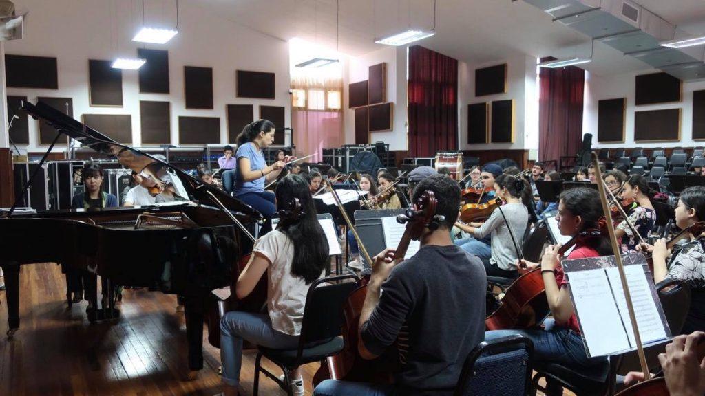 コスタリカで岡山の音楽を伝える山地さん